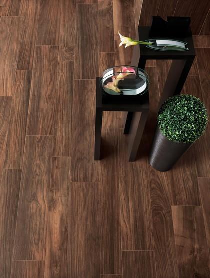 Colore fughe piastrelle effetto legno